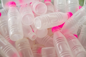 recyclable plastics water bottles